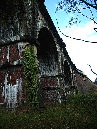 Earlestown - Image: 2004 10 09 Nine Arches