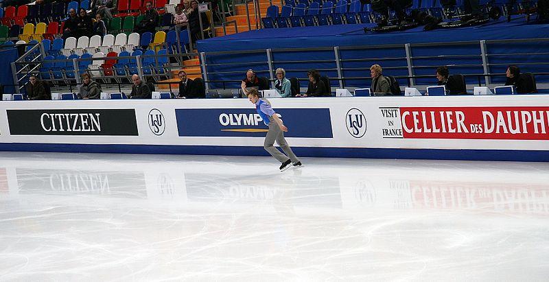 File:2011 WFSC 3d 219 Tomáš Verner and Judges.JPG