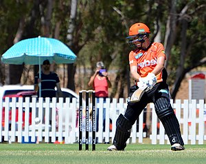 Elyse Villani - Villani batting for Perth Scorchers during WBBL02.
