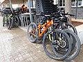 2020-01-25 Bicicletes aparcades al Bar València d'Altura 02.jpg