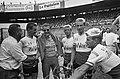 51e Tour de France. Aankomst Parijs. De Televizierploeg in gezelschap van Jan Ja, Bestanddeelnr 916-6419.jpg