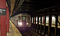 A Z train made of R32 cars at Broad St, bound for Jamaica Center.png