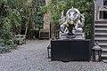 A hidden garden in NYC (25833511230).jpg