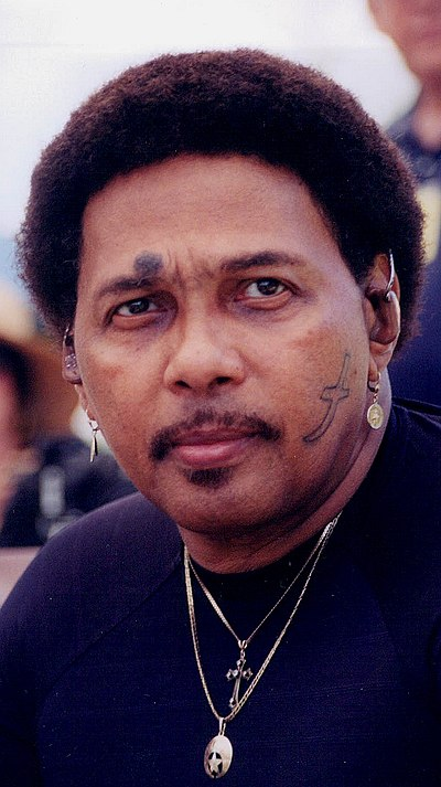 Picture of a band or musician: Aaron Neville
