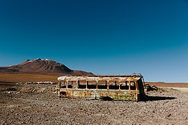 Abandoned bus in San Pedro de Atacama (Unsplash).jpg