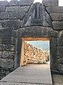 Acceso Puerta de los Leones (Micenas, Grecia). Lions Gate (Mycenae, Greece).jpg
