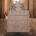 Alcobaça-Monsteiro de Santa Maria-Túmulo de D. Inès de Castro-Crucificação de Jesus-20140915.jpg
