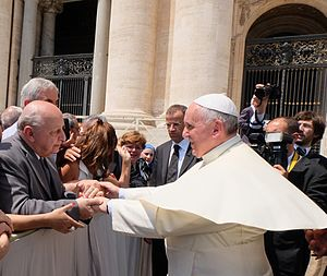 Alejandro Iaccarino - Emotional meeting with the Pope Francis in St. Peter's Square