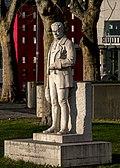 Alexander-Girardi-Denkmal_Karlsplatz.JPG