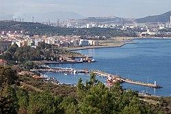 Aliağa - www.alto.org.tr - panoramio.jpg