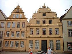Der Rundgang durch die Bielefelder Altstadt bietet einen Einblick in ...