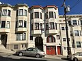 Apartments, Lombard Street, San Francisco (October 2017)(37573830464).jpg