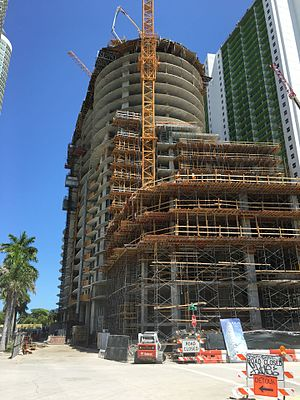 Aria on the Bay - Image: Aria on the Bay construction