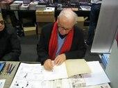 Dino Attanasio en train de dessiner Johnny Goodbye.