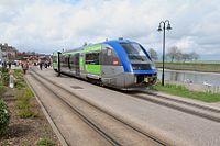 Autorail X 73609 Saint-Valery-Port.jpg