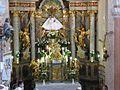 Az oltár a templomban.jpg