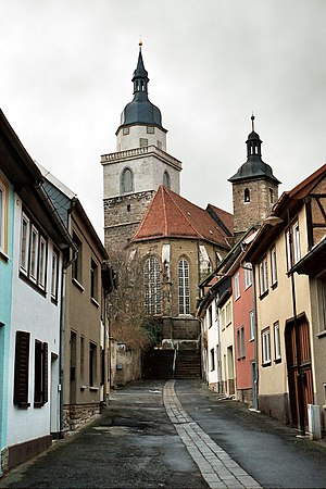 Bad Tennstedt, die Kleine Kirchgasse mit der Stadtkirche