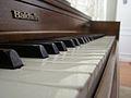 Baldwin piano close-up.jpg