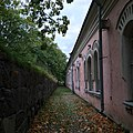 Barracks in Suomenlinna in autumn.jpg