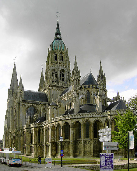 File:Bayeux Cathedral.JPG