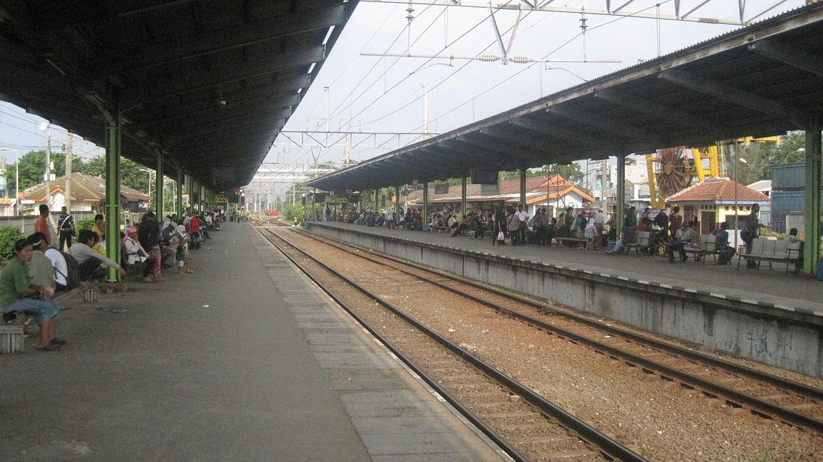 bekasi railway station   wikipedia