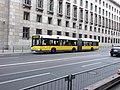 Berlín, Mitte, autobus Solaris.jpg