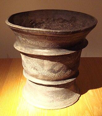 Isan - Black ceramic jar, Ban Chiang culture, Thailand, 1200-800 BCE.