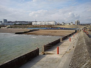 Black Rock (Brighton and Hove) - Black Rock from Brighton Marina sea wall