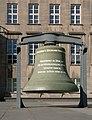 Bochum, de klingel geplaatst voor het stadhuisIMG 8698 2019-02-24 14.32.jpg