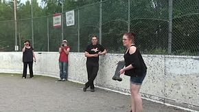 Datei:Boot throwing.ogv