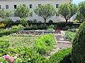 Bressanone, giardino di corte 06.JPG