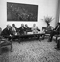 Bundesarchiv B 145 Bild-F024962-0002, Bonn, Politiker aus Sri Lanka im Bundestag.jpg
