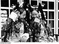 Bundesarchiv Bild 135-S-15-43-30, Tibetexpedition, Frau Bhondong Se, Frau Ringang.jpg