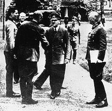 Bundesarchiv Bild 146-1984-079-02, Führerhauptquartier, Stauffenberg, Hitler, Keitel crop