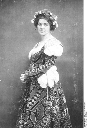 Leopoldine Konstantin - Leopoldine Konstantin as Everyone in 1912