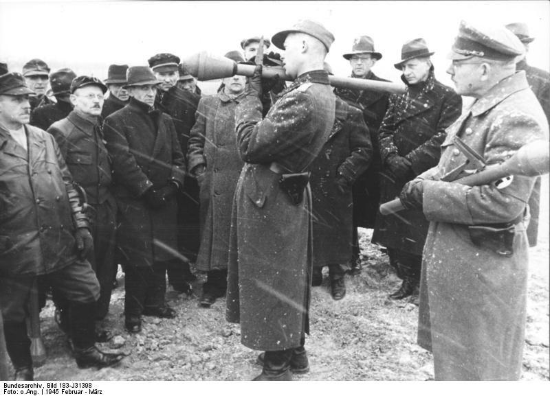 Bundesarchiv Bild 183-J31398, Berlin, Volkssturm-Ausbildung