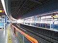 Busan-subway-129-Jangjeon-dong-station-platform.jpg