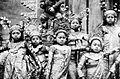 COLLECTIE TROPENMUSEUM Een groep jonge Balinese danseressen TMnr 10004679.jpg
