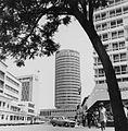 COLLECTIE TROPENMUSEUM Zicht op het Hilton Hotel vanuit Kirnathi Street in Nairobi TMnr 20014411.jpg