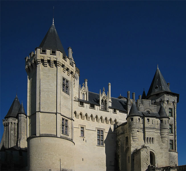 Datei:Castle Saumur Loire Valley 2007 03.jpg