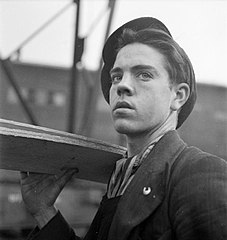 Cecil Beaton Photographs- Tyneside Shipyards, 1943 DB157.jpg