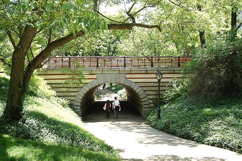 File:Centralpark 20040520 121402 1.1504.jpg