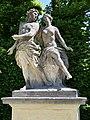 Ceyx and Alcyone - Skulptur im Barockgarten Grosssednitz.JPG