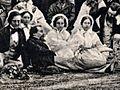 Charles Dickens au milieu des siens.jpg