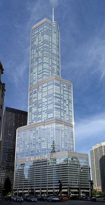 Trump International Hotel and Tower in Chicago Chicago September 2016-2.jpg