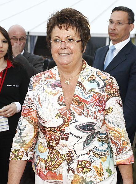 http://upload.wikimedia.org/wikipedia/commons/thumb/f/f5/Christine_Boutin.jpg/442px-Christine_Boutin.jpg