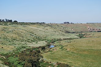 Jackson Creek (Victoria) - Image: Clarkefield Jacksons Creek Valley 003