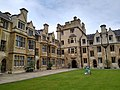 Cmglee Cambridge Trinity College Whewells Court.jpg