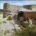 Collectie Nationaal Museum van Wereldculturen TM-20029577 Ruine van de Balashi goudsmelterij vlakbij het Spaans Lagoen en de Franse Pas Aruba Boy Lawson (Fotograaf).jpg