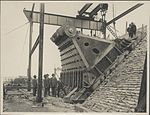 Construction of Sydney Harbour Bridge main bearing, 1927 (8283769518).jpg